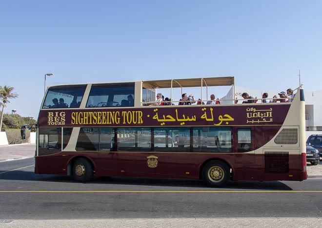 Sightseeing buss