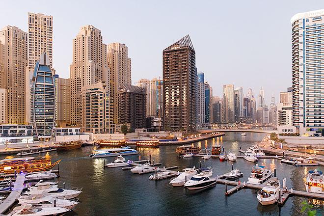 Kväll i Dubai Marina